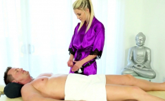 Gorgeous Masseuse Facial