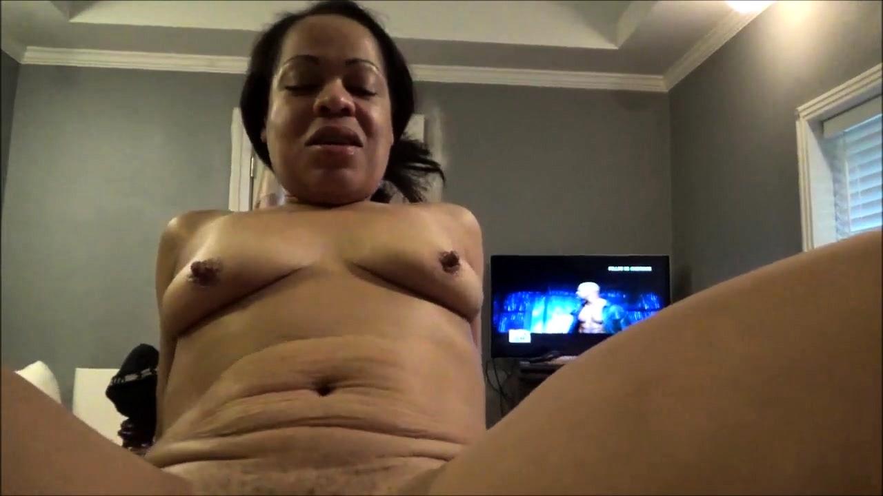 Amateur Ebony Screaming Orgasm