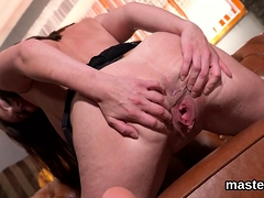 Horny Czech Chick Opens Up Her Wet Slit To The Strange94mch