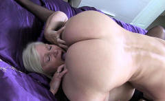 Gran sixtynines lesbian in stockings