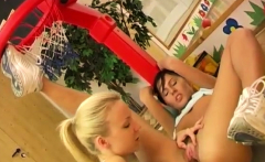 Blonde edging blowjob Cindy and Amber pounding each other in